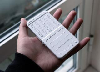 Teléfono háptico DrawBraille