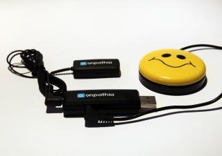 Imagen del ratón EnPathia con un pulsador