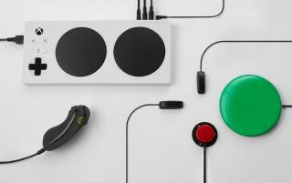 """Xbox Adaptive Controller"" image"